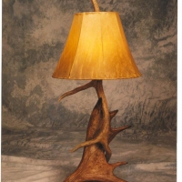 Moose-Elk-Table-Lamp